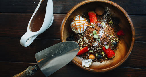 افتتاح أحدث فروع مطعم فرزي كافيه العصري في مول الإمارات